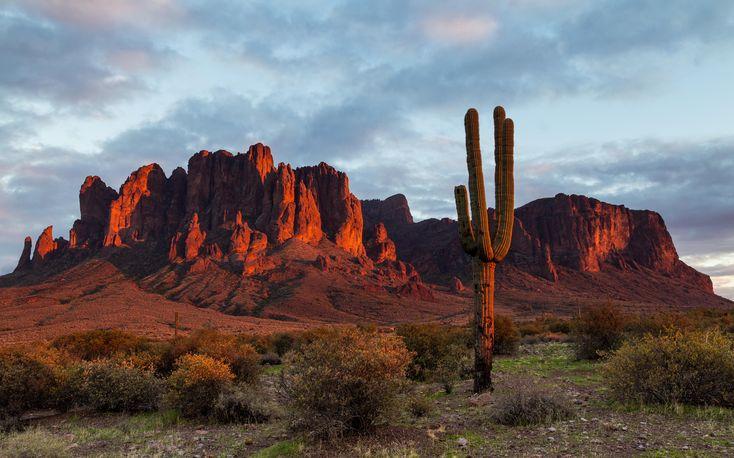 Superstition Mountains AZ [OC] [5308x3310]