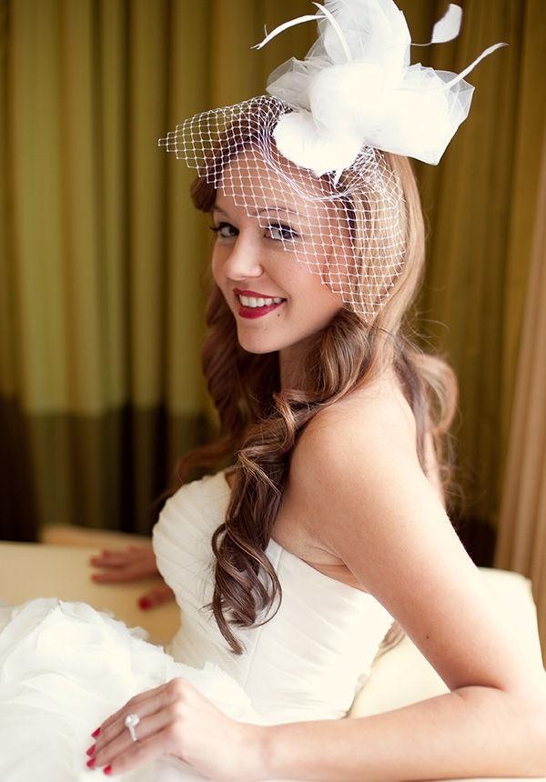 Bridal headpieces: Wedding Inspiration, Red Lipsticks, Vintage Christmas, Vintage Holiday, Bridal Headpieces, Hair Pieces, Christmas Wedding, Birdcages Veils, Bridal Hair Accessories