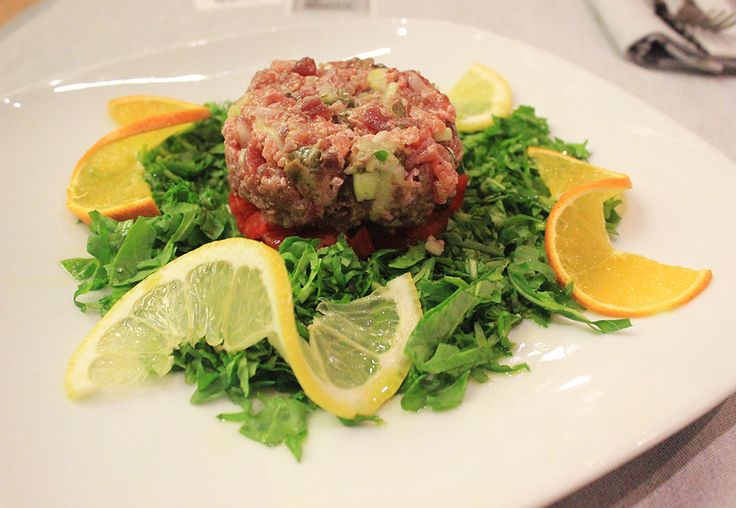 #TartareDiTonno - Un piatto che non ha bisogno di presentazioni: equilibrato, delicato, elegante. Buon pranzo! ;-) www.pizzeriasanmarcoroma.com #ristorante #pizzeria #roma
