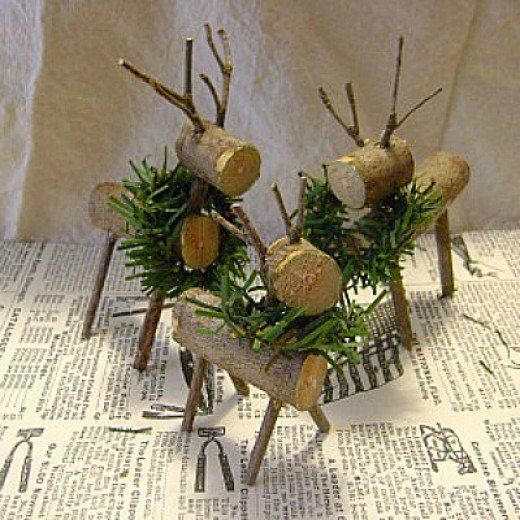Over 35 great twig craft ideas. Beautiful rustic nature crafts projects. Twig branch art and crafts for kids and adults. Crafts made from twigs include, wreaths, garlands, stars, coat rack, reindeer