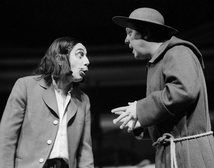 1973-ban Őze Lajos és Kállai Ferenc Shakespeare: Szeget szeggel című Major Tamás által rendezett darab bemutatóján a Nemzeti Színházban (Fotó: MTI/Keleti Éva)