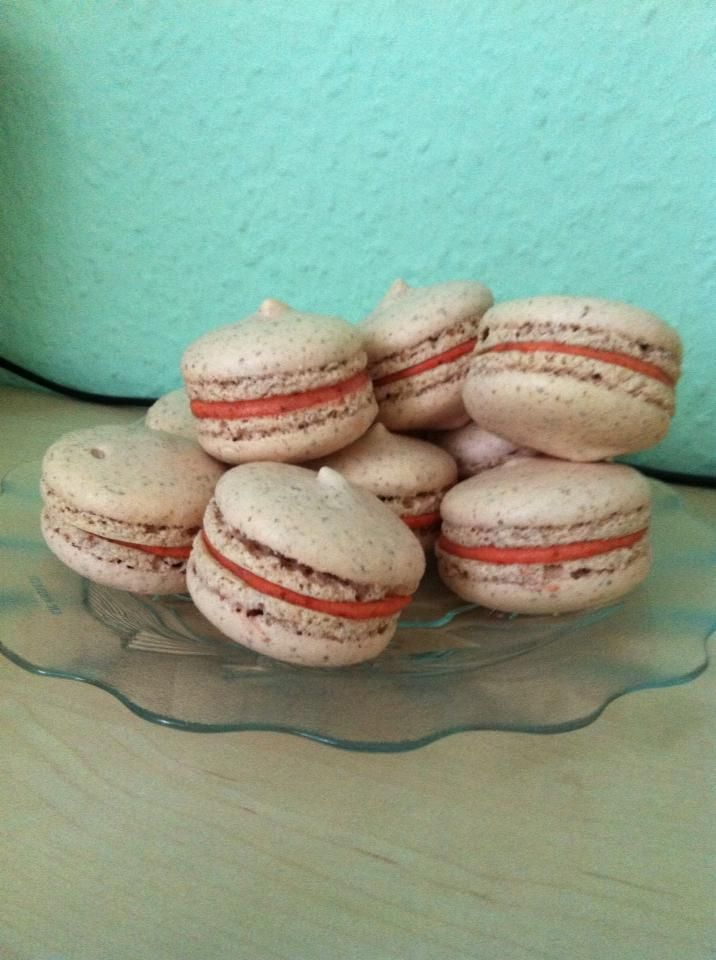 macaron ideas forward strawberry flavoured macarons with strawberry ...