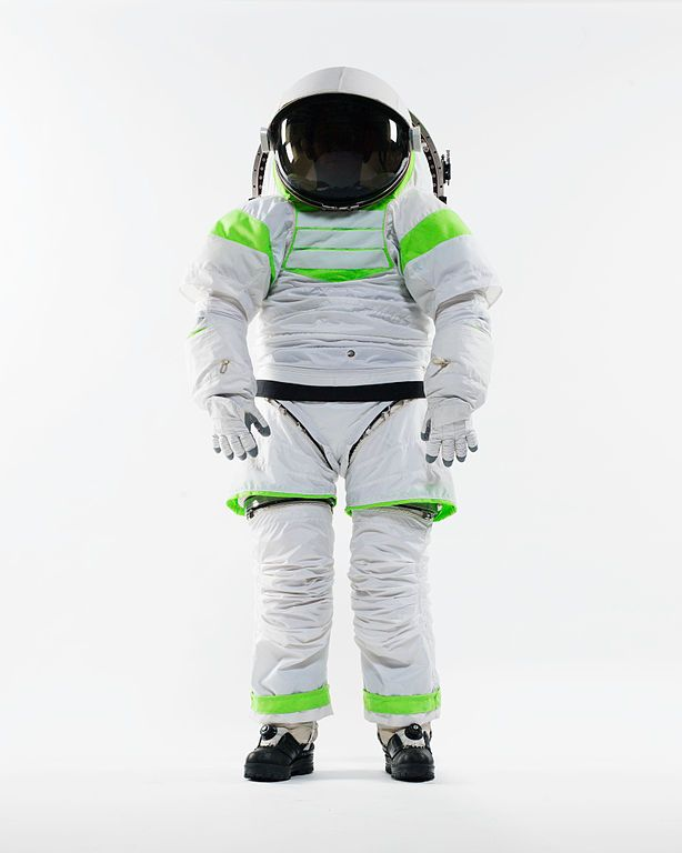 Balle Spaziali meets fashion | Z1 spacesuit