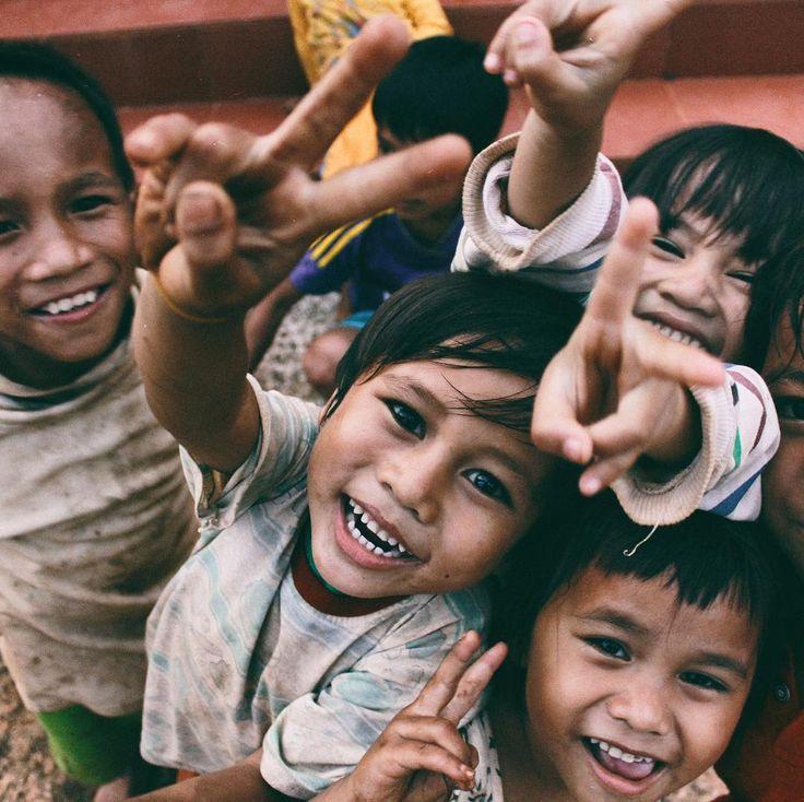 Perendah angka putus sekolah dengan beri mereka dukungan donasi! . . . . . . . . . .  #IbuPapaDidik #donasi #pendidikan #tinggi #mahasiswa #mahasiswi #indonesia #dogood #gooddeeds #donate #charity #giving #instatoday #quotes #education #happy #danadidik #quotesoftheday #instagood #photooftheday #berbagi #givingtuesday