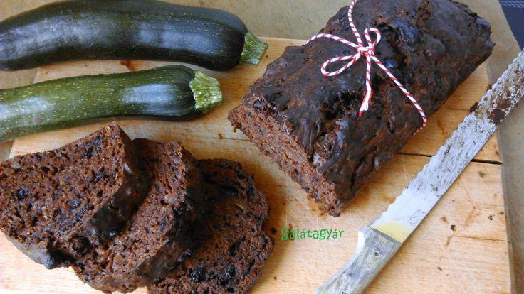 Teljes kiőrlésű, cukormentes cukkinis kenyér csokidarabokkal, ha már kezdesz kifogyni az ötletekből, hogy mit kezdj a rengeteg cukkinivel!