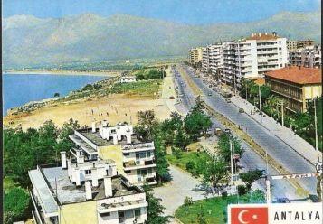 Antalya Konyaaltı Caddesi