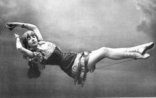 """Fanny Brice* - *at least that's one claim.  Other sites just call this gal """"1890s circus performer"""""""