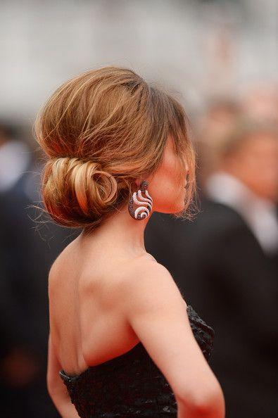Cannes 2014: Foxcatcher premiere. Cheryl Cole voluminous rolled updo.