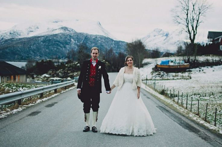 Wedding picture in Norway! Mounteins, snow, beautiful couple!