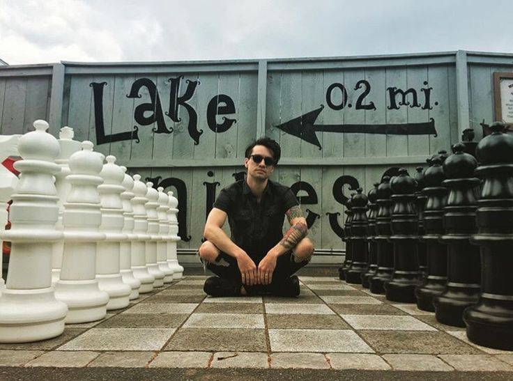 Brendon Urie - giant chess board <3