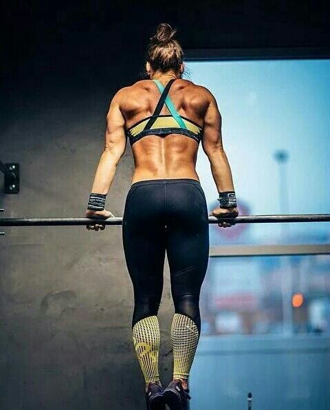 That back though!  Fitspiration  for crossfit and girls who love to lift - Strong girls do it better!