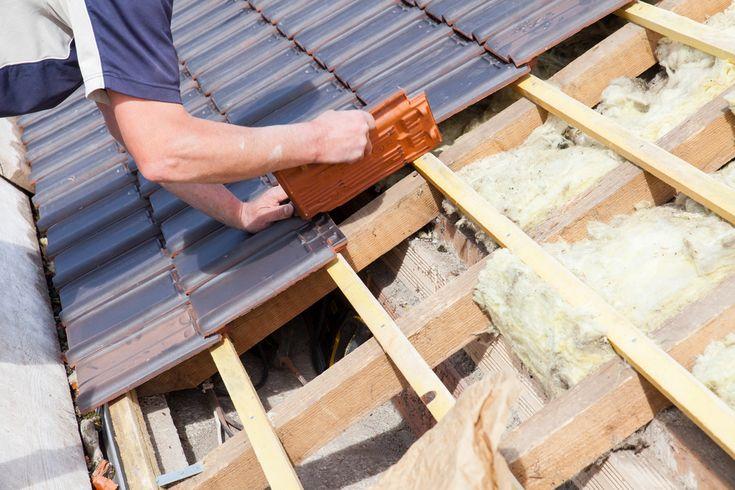 Pálená keramická krytina. Aké má vlastnosti a aký je rozdiel oproti betónovej škridle?
