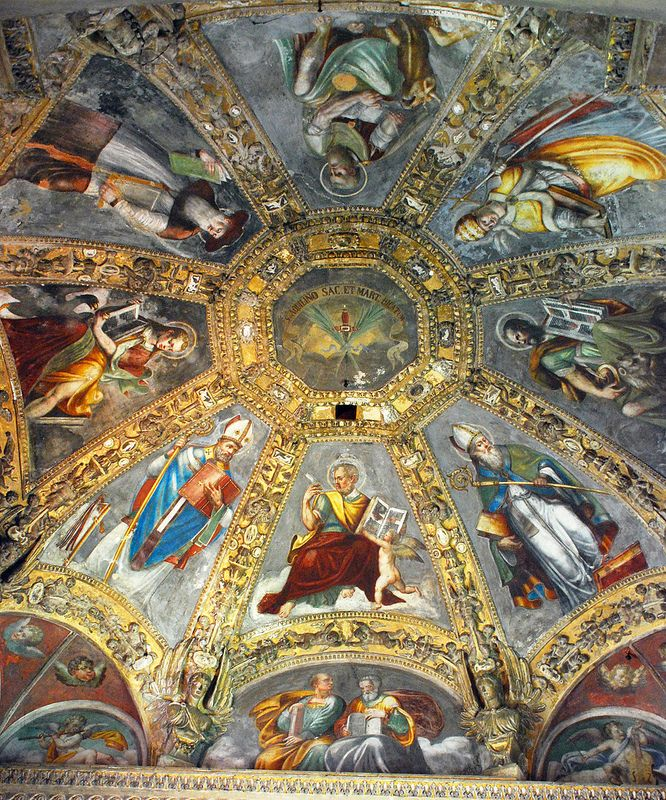 Milano San Lorenzo Maggiore - Ceiling of chapel with reliquary of St. Aquilino #TuscanyAgriturismoGiratola