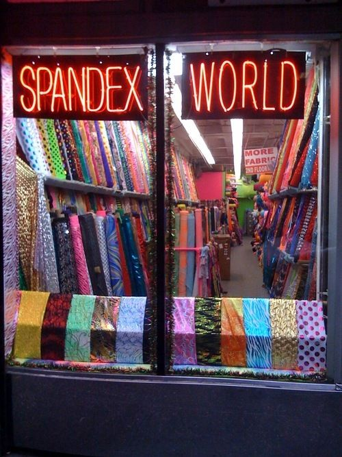 I need to go here for Volleyball spandex designs! <3