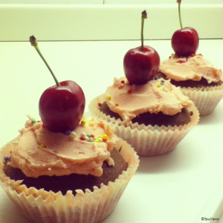 Cherry and chocolate cupcakes