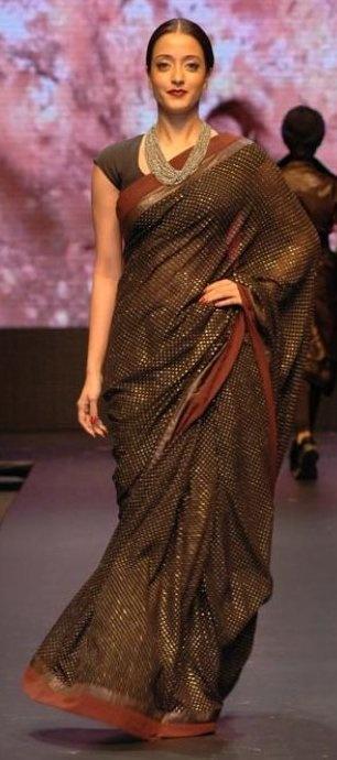 Earth girl Raima in a saree.