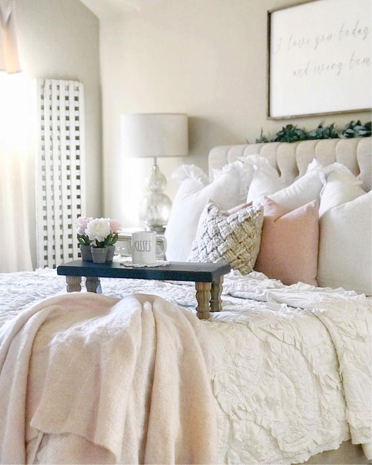 Best 25 country teen bedroom ideas on pinterest vanitys for Country teenage girl bedroom ideas