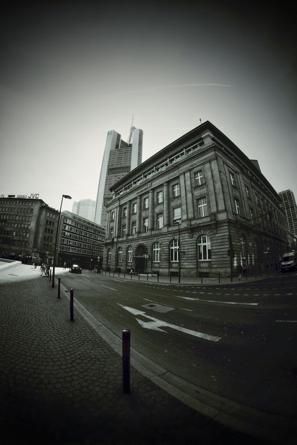taken between goethe-square and financial district
