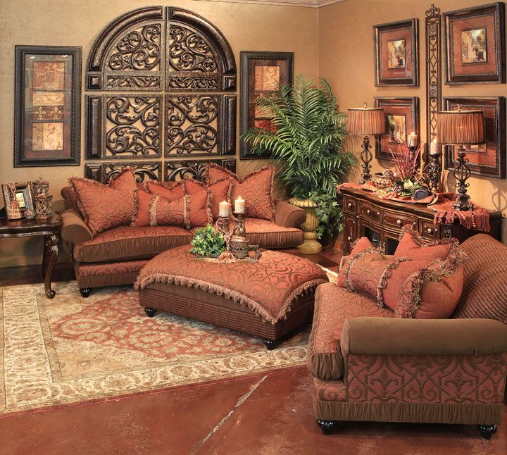 Tuscan wall decorr via patricia edsall hartley - Italian inspired living room design ideas ...