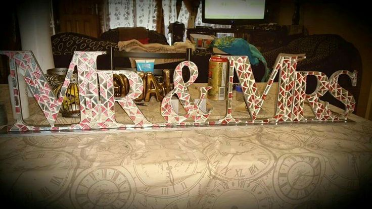 Mr and Mrs - Table Art
