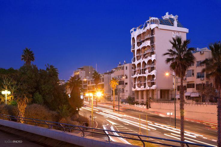"""The Crazy House"" in Tel Aviv, Israel photo by Kaśka Sikora  #crazyHouse #TelAviv #realestateTelAviv #lifestyle #Israel #Sikora #photos #realestateIsrael #Israel #luxury #luxuryrealestate #architecture #beautifularchitecture"