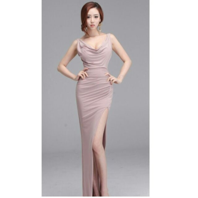 Beautiful and Elegance style dresses.  Stunning evening dresses, sweeping maxi dresses, cocktail dresses, bridesmaid dresses, autumn racing dresses, and work-to-weekend styles. Available in lace, floral, stripe, and polka dot prints, styles include cap sleeve dresses, wrap dresses, shift dresses, full length dresses.