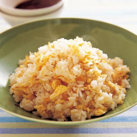 パラパラ卵チャーハン   ウー・ウェンさんのチャーハンの料理レシピ   プロの簡単料理レシピはレタスクラブニュース