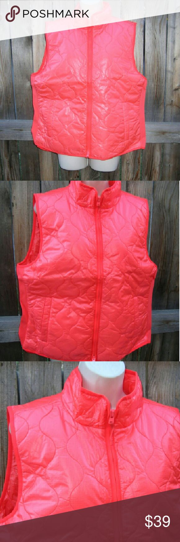 """J crew quilted vest XL orange light.  Z New with tags Color us persimmon orange Nylon/ poly Bust 44"""", long 24"""" j crew Jackets & Coats Vests"""