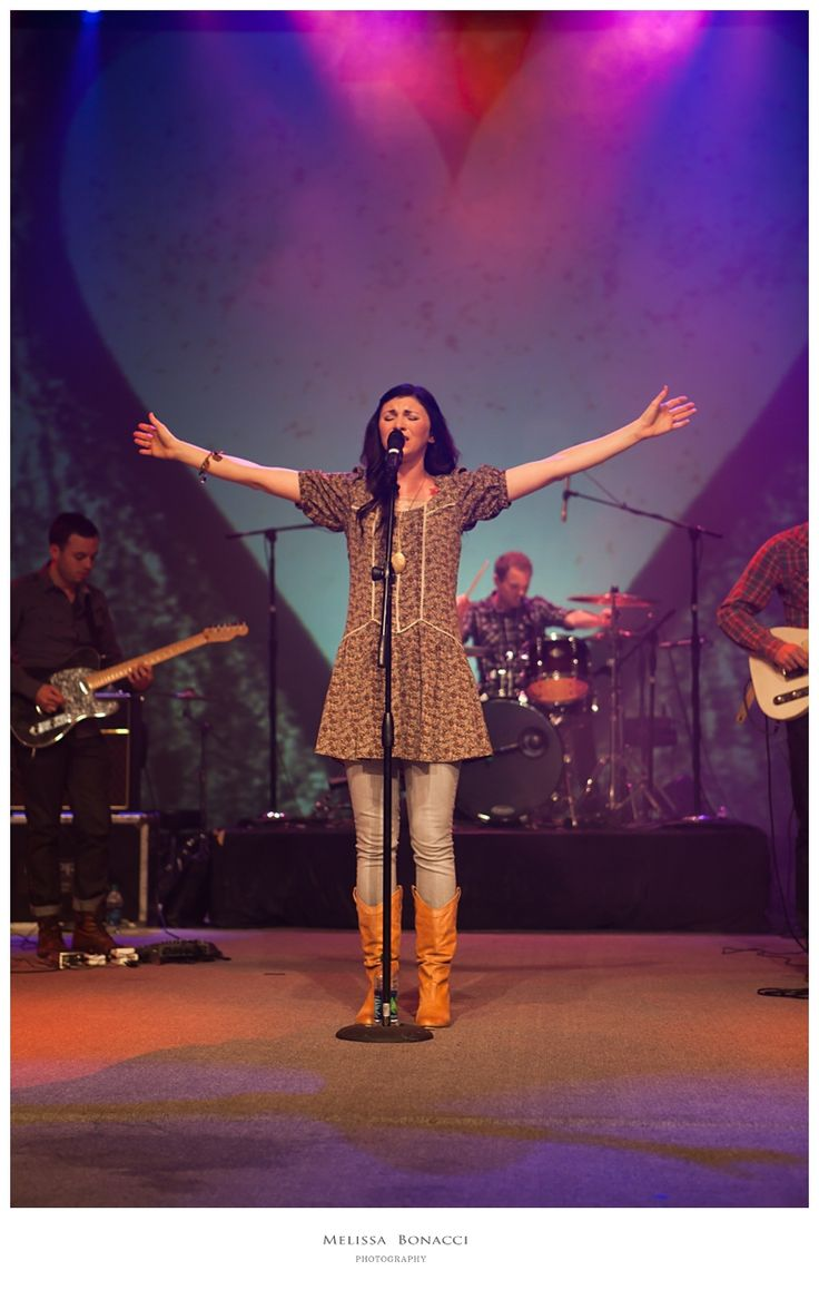 Kim Walker-Smith- Amazing way to worship, her prophetic worship makes every moment a beautiful one. @RobbiePage1and2 Oneand2.com