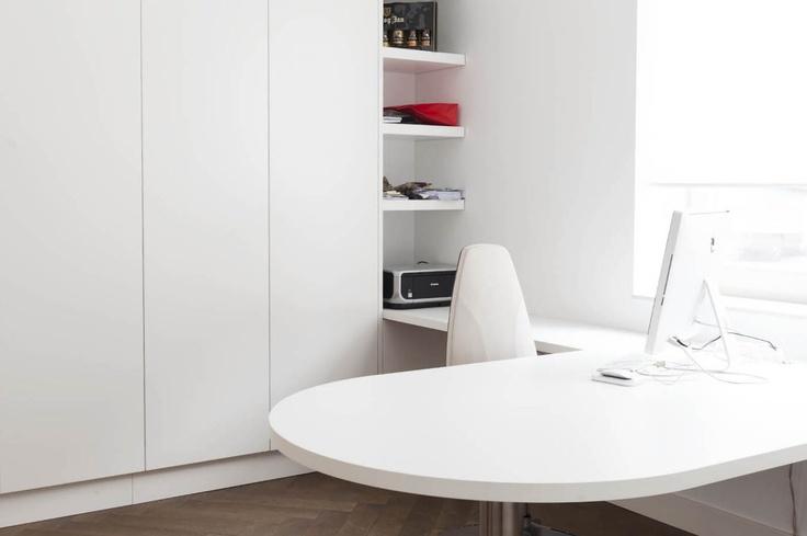Ontwerp kastenwand met een uitlopend bureau jolanda knook for Interieur vormgeving