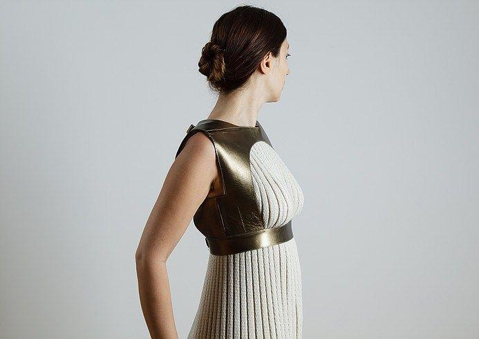 Ancient Greek garment by Eleni Kyriacou – Ovalme