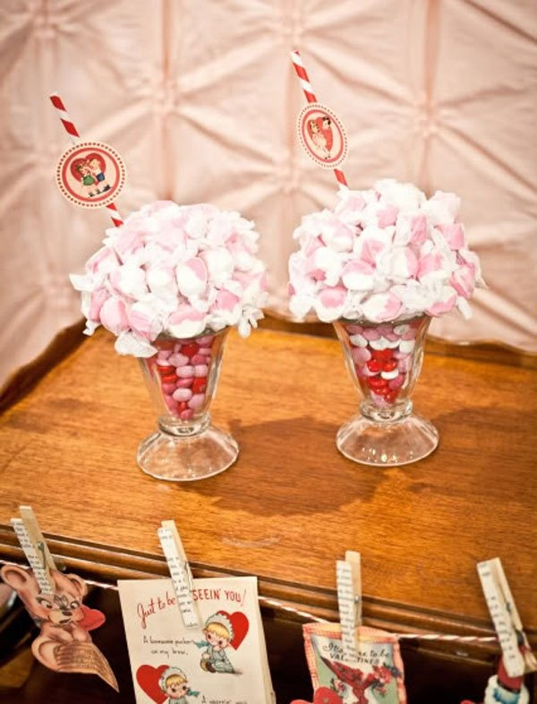 Tutorial to make candy sundaes for valentine 39 s day candy for Valentine candy crafts ideas