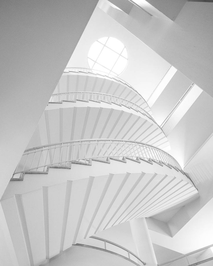 Un autre escalier du pavillon Casault de l'université Laval. Another staircase in the Casault ward of the Laval University. Beautiful architecture again! - @aberdeja