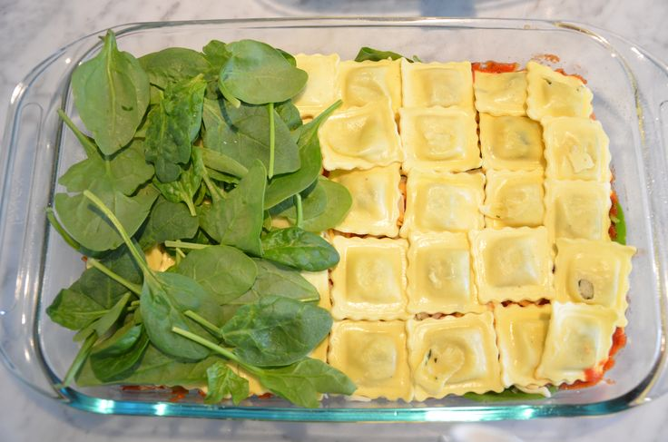 Looking for fast dinner ideas during this busy holiday season? How about this Cheater's Spinach and Sausage Lasagna that uses premade ravioli to take out 99% of the work.  UrbanCountryStyle.com