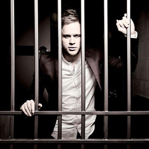 olly murs behind bars?