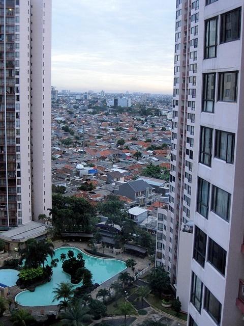 The Gap by mariorustan  Taman Rasuna, Kuningan, Jakarta, Indonesia
