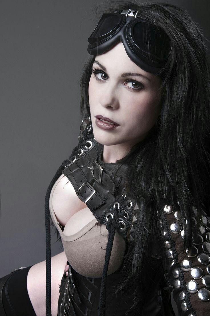 Is anna silk bisexual-8539