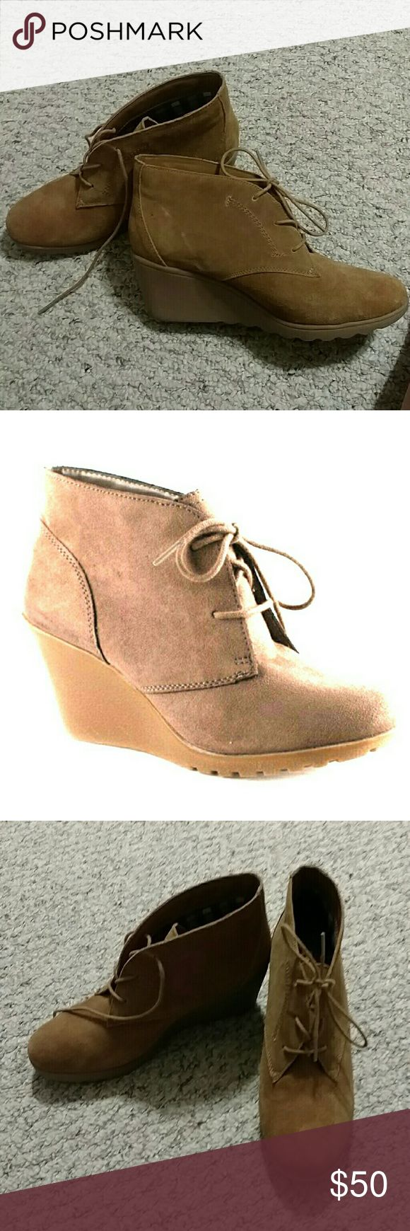 White mountain wedges Worn once White mountain  Shoes Ankle Boots & Booties