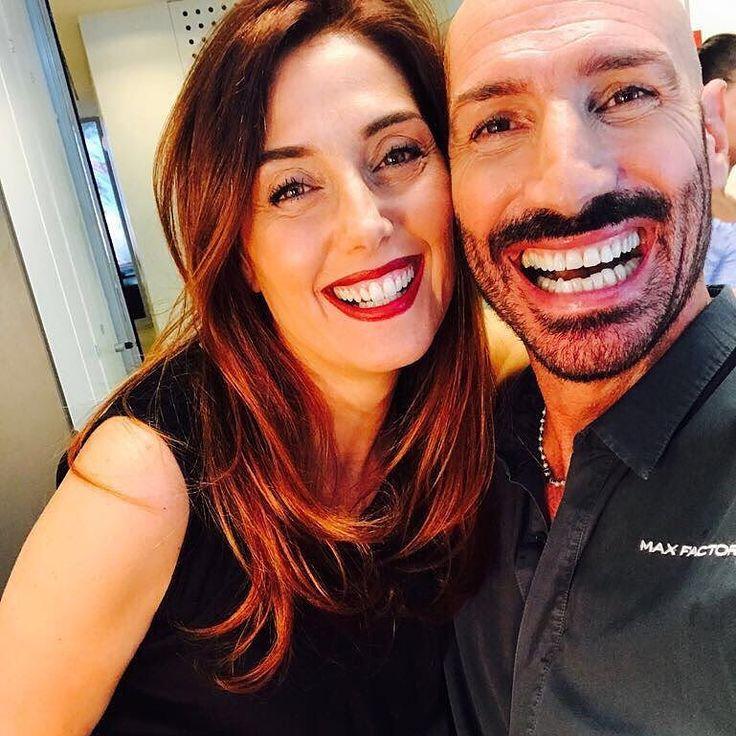 Nuovo #makeuptutorial Oggi disegneremo le labbra per farci rubare i baci! Una matita marrone e un rossetto rosso per un effetto matte e pumpling grazie alla maestria di @rajantolomei di @maxfactor ! LINK IN BIO #video @mark_perna  New #makeuptutorial Today we will draw our #lips to steal #kisses! A brown pencil and a #redlipstick for a #matte and pumpling effect thanks to the master @rajantolomei of @maxfactor! LINK IN BIO #video @mark_perna  #dontforgetthemirror #blogzine #beautyblog…
