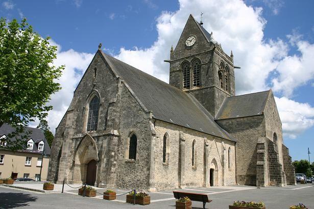 Sainte-Mère-Église — Wikipédia