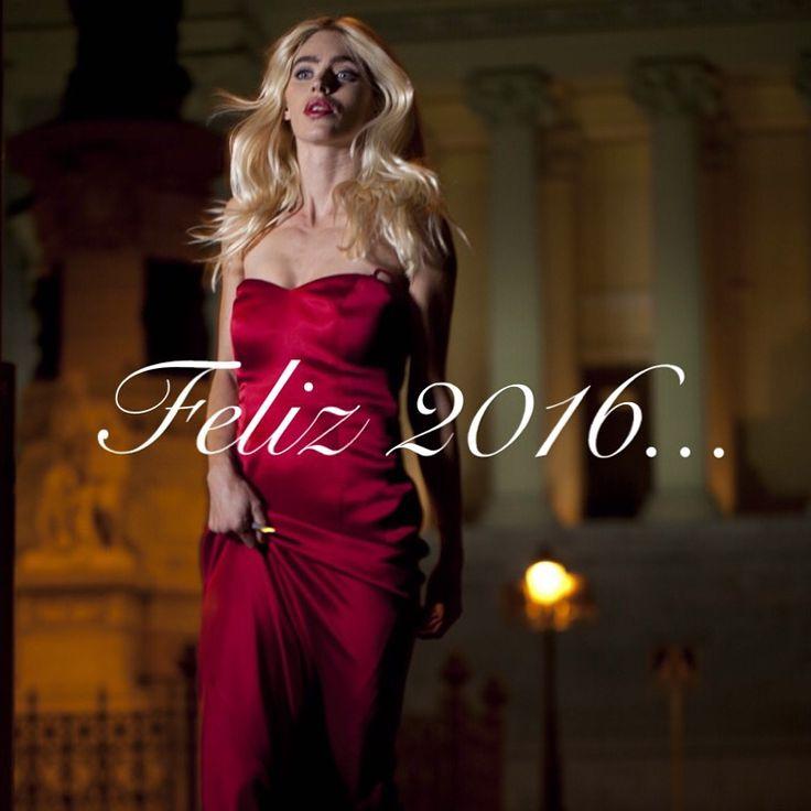 Todo el equipo de Navdra os desea un feliz 2016...⭐️ Que se cumplan todos vuestros deseos www.navdra.com #navdra #happy2016 #happynewyear #newyear #style #fashionable #fashionaddict #fashionista #women #girls #dress #red