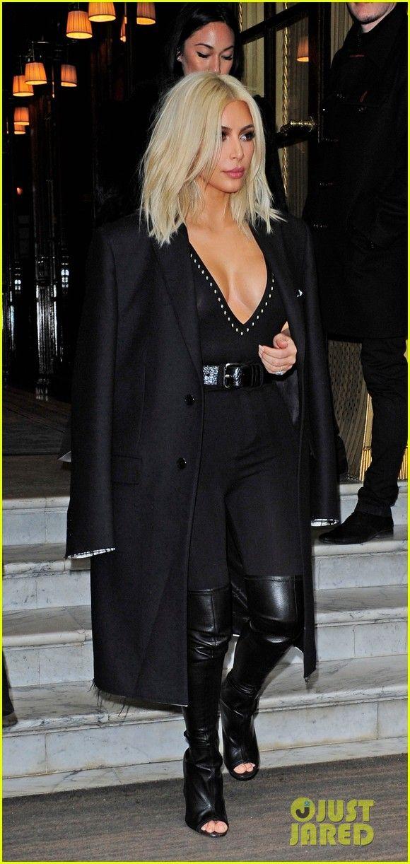 Kim Kardashian & North Take Some Selfies Before Bedtime