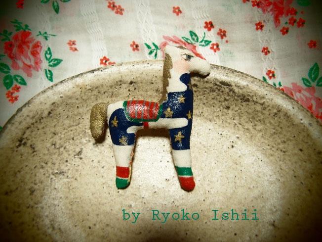 hibi no rakugaki: 子馬のブローチ