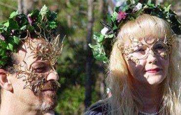 """YO SOY WICCA """"Soy wicca porque mi espíritu me lo dice, soy hijo de la Tierra y la respeto porque es mi madre, ella me da la vida, el aire que respiro, la tierra donde camino y los alimentos... Leer mas en -----> www.grimoriowicca.com"""
