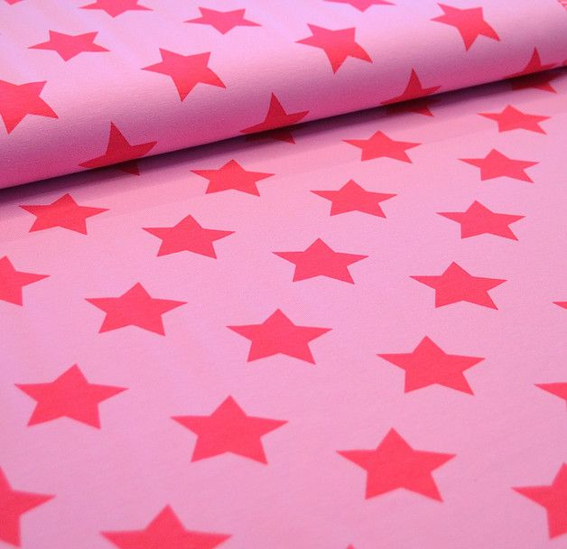 Hübscher Bio-Jersey (GOTS-zertifiziert) mit Sternen von lillestoff.. Den farblich passenden Streifen gibt es im Shop.  Jeder Stern ist ca 4,5cm groß Stoffbreite:1,50m  Ab 0,5 Meter Bei...