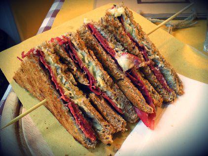 Toasteria Mi Casa | Milan  #streetfood #toast #italy #milano #foodtripandmore #toasteriamicasa