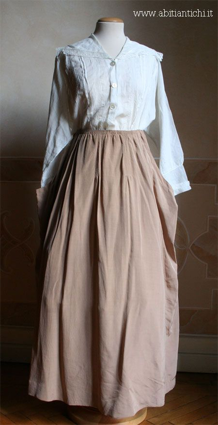 1917 Suit: showing skirt and cotton blouse. JC
