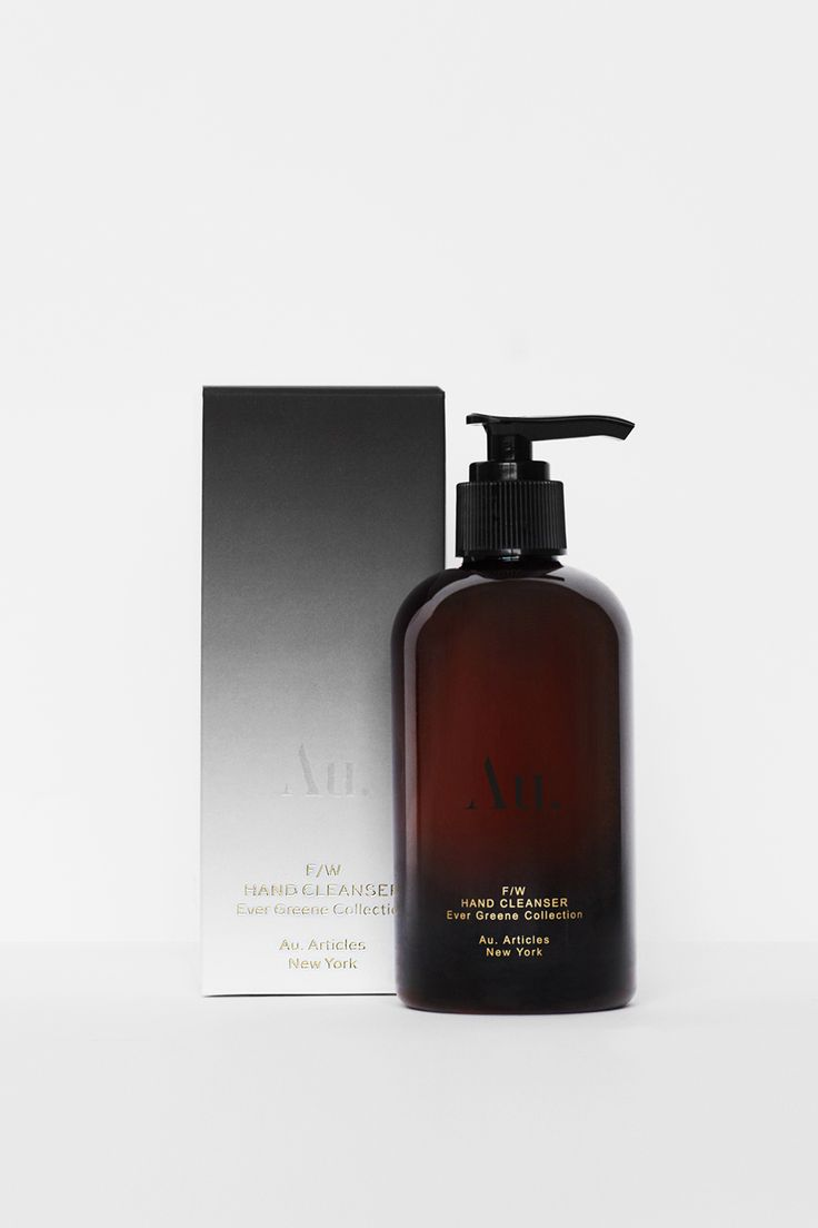 Our deep cleansing Hand Cleanser tailored for the Fall/Winter seasons, the Ever Greene Hand Cleanser combines premium ingredients from science & nature working in unison.   Featuring a unique fragrance of over 9 natural notes including 100% pure Patchouli, Atlas Cedar, Amyris, Bergamot, Juniper, Sandalwood, Cardamom & Geranium oils its vibrant fragrance also complements dermatological ingredients to cleanse, soothe and hydrate the hand skin.