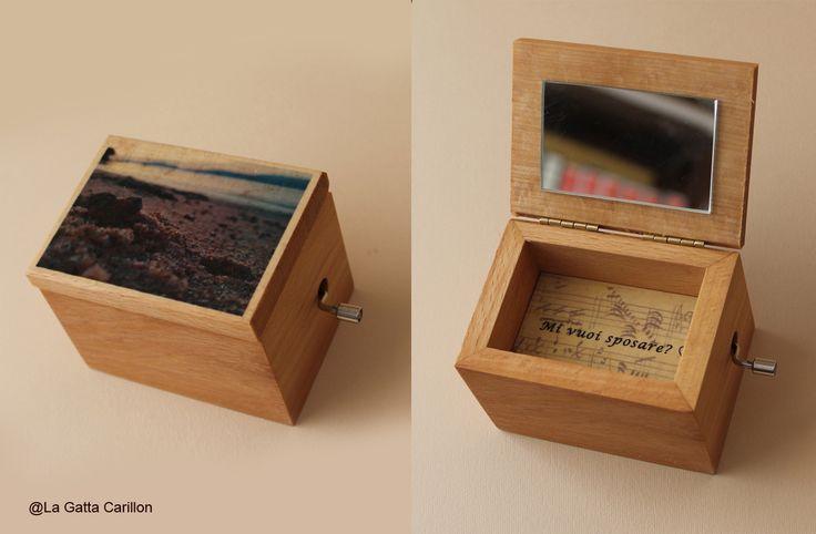 Personalized wooden music box. do you want to merry me?  Scatolina carillon personalizzata. Mi vuoi sposare?