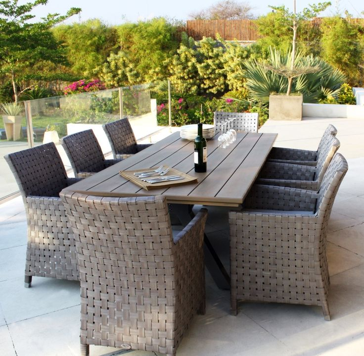 Cielo Furniture Set. Skyline design furniture set, perfectly crafted and woven dining set, perfect anywhere in your garden ready for BBQ season. #OutdoorFurnitureset #SkylineDesigns #CommercialFurniturSet #GardenFurnitureSet #GreyRattanFurnitureSet #GardenFurnitureSet #greyrattanset